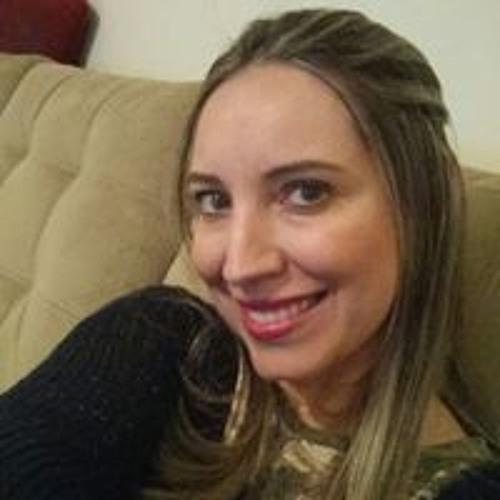 Carolina Toledo's avatar