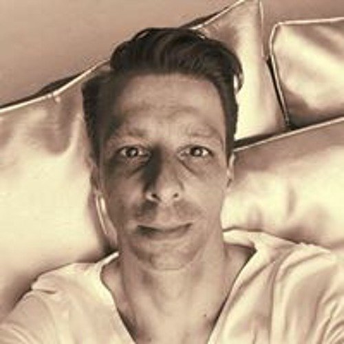 Daniel Ross's avatar
