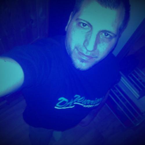 Daniel Stabil 1 2 Feirei's avatar