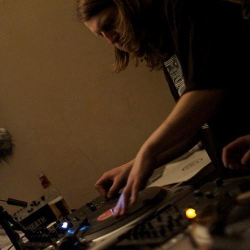 Danny Deepo Mixes's avatar