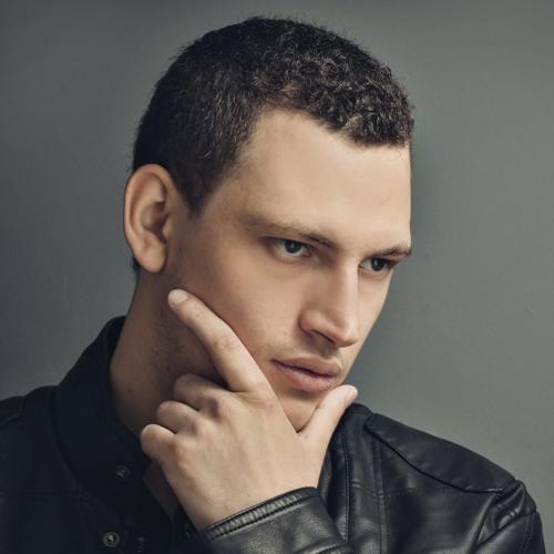 Luiz B's avatar
