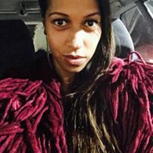 Danelle Reuelu-Smith's avatar