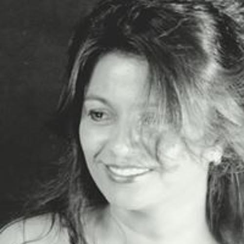 Damaris Camilo's avatar