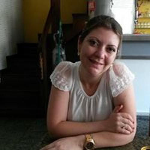 Tatiana Bastos's avatar