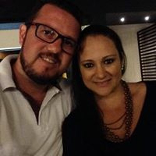 Monique Nunes Giroldo's avatar