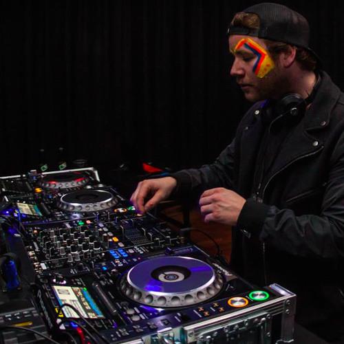 DJ Kinder's avatar