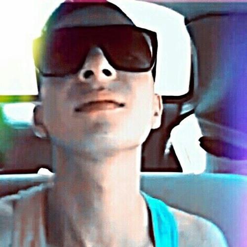 Alysson Candea's avatar