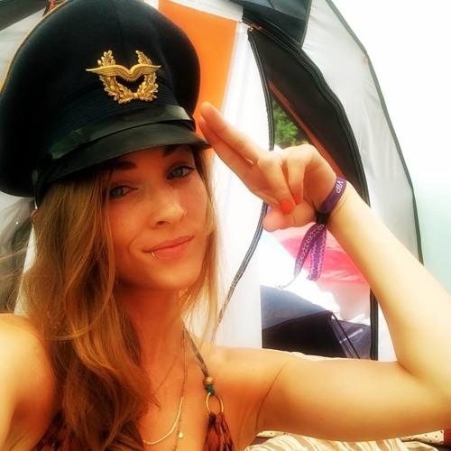 AngelineLovesJus's avatar