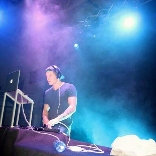 DJ Breezi's avatar