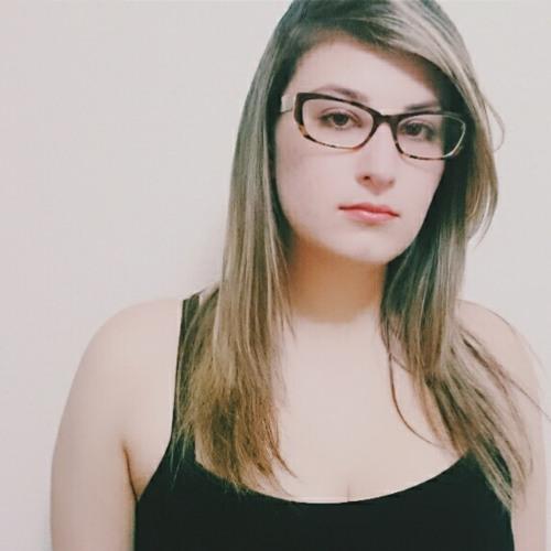Carolini Juste's avatar