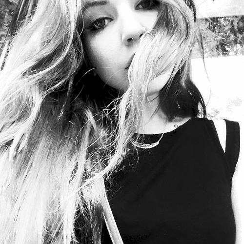 Lia Dutson's avatar