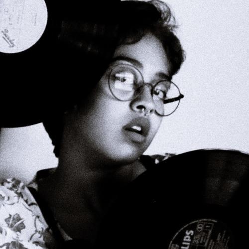Letícia Carvalho's avatar