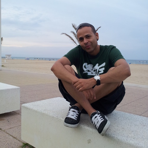 Santy R.'s avatar
