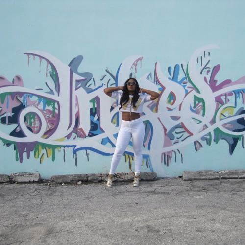 Emma Nyra's avatar