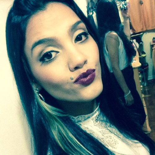 Alana Monteiro's avatar