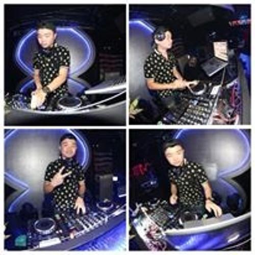 DJ_Ricky_Sutanto's avatar