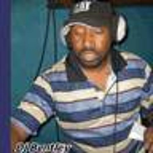 Lennox B Farquharson's avatar