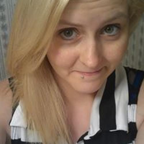 Nikki Marie's avatar