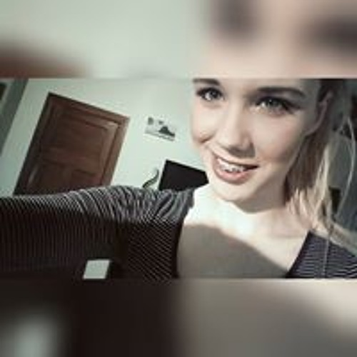 Megan Malloch's avatar