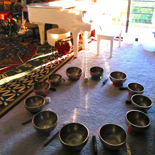 Full Moon Singing Bowls & Gongs & Cymbals's avatar