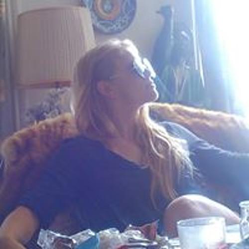 Arielle Lauzon's avatar