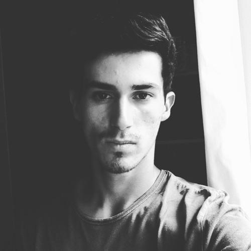 Lucas CASTELLANO's avatar