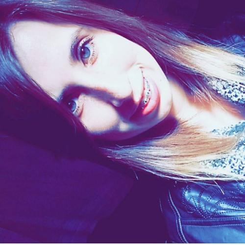 JulianaJSantos's avatar