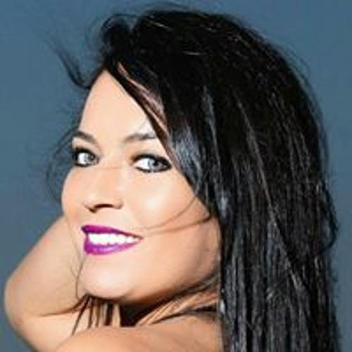 Dienifer Ferreira's avatar