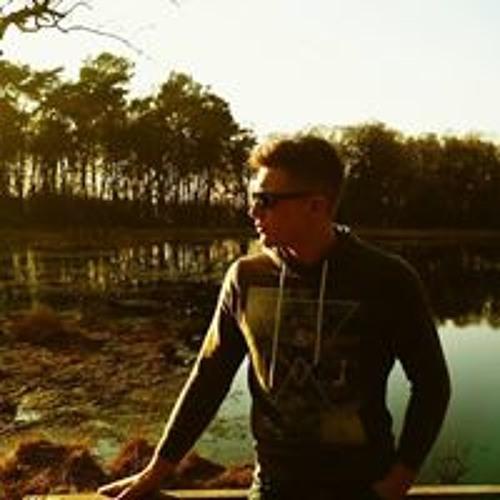 Jannik Ross's avatar