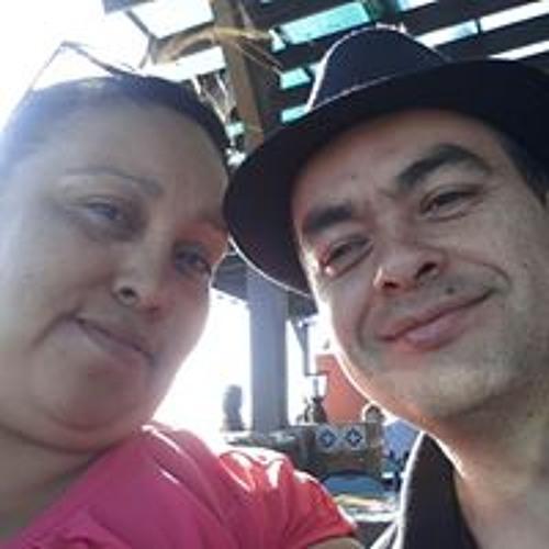 Claudia Romero's avatar