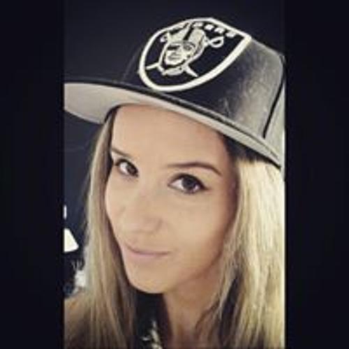 Ana Monteiro's avatar