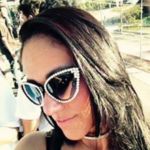 Luciane Oliveira's avatar