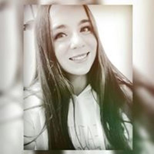 Abril Goyeneche's avatar