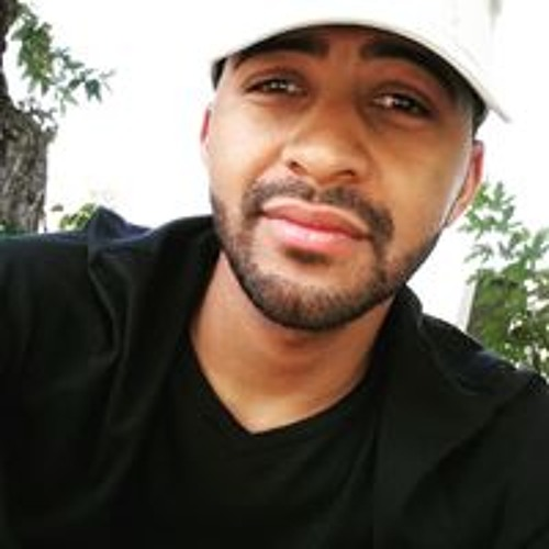 Claude Thompson's avatar