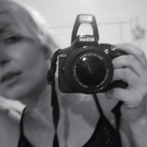 Jacquie Dixon's avatar