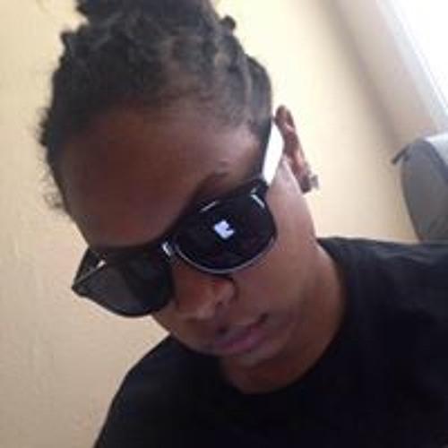 Ashley Lakia's avatar