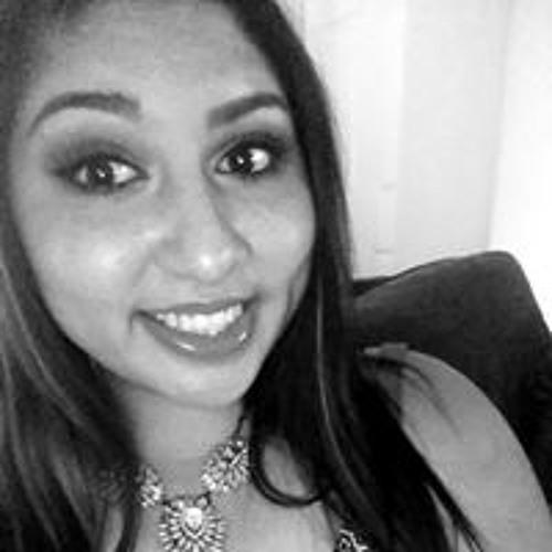 Monica Salinas's avatar