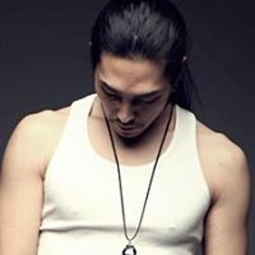 Chrome  Kim's avatar