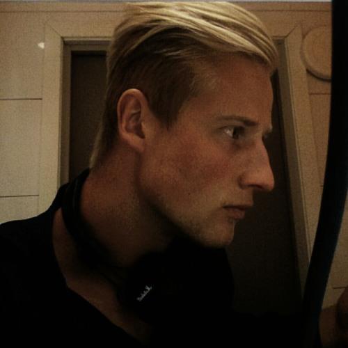 Helmut's avatar