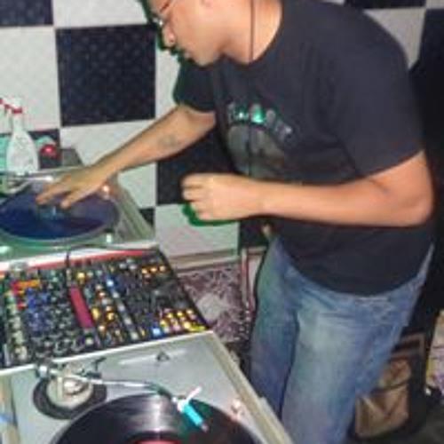 Djnil Cardoso's avatar