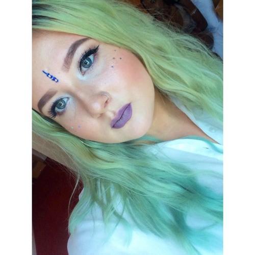 Elisia Albin's avatar