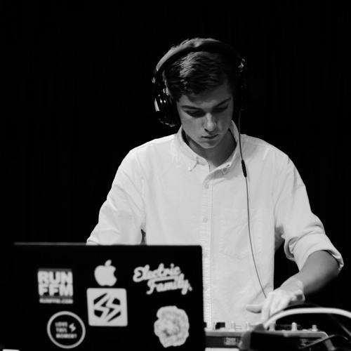 DJ_SKYY's avatar