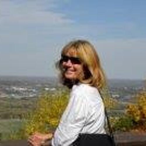 Carol Weiss's avatar