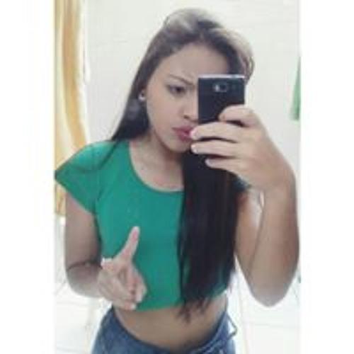 Carol Almeida's avatar