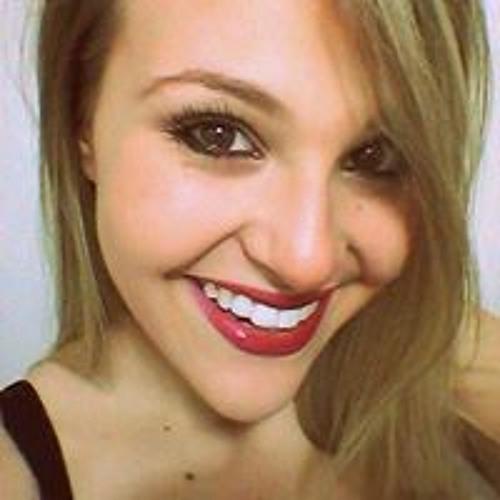 Maria Carolina Porto's avatar