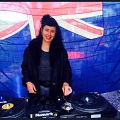 Netti Page's avatar