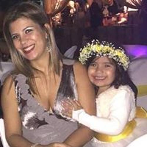 Tereza Souza's avatar