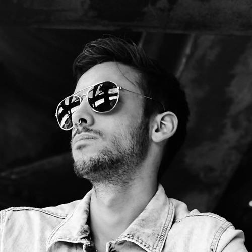 Simon Kovics's avatar