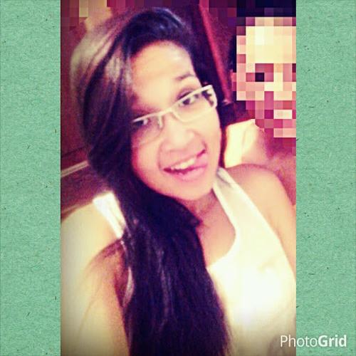Luana Santos's avatar