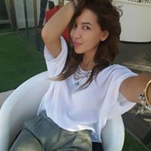 Lina Azam's avatar